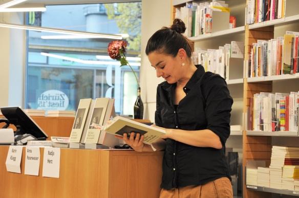 Lesung Seit dieser Nacht_ Hottingerplatz 24101015 (4)