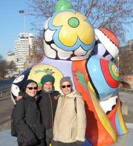 Karin, Eva und Corinne bei den Nanas in Hannover. Dezember 2016.