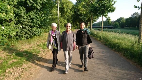 Wir kommen! Eva Schweizer, Karin Rüegg und Corinne Rufli